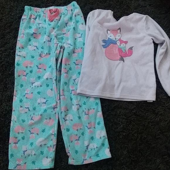 5e4c3d908dce Carters size 8 fox fleece pajama set